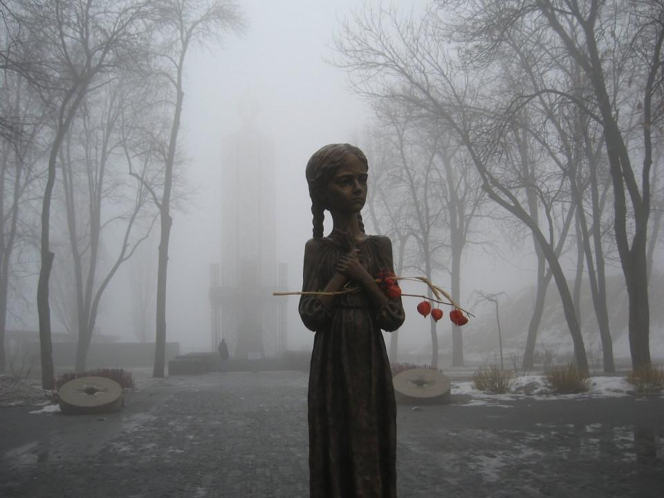 В Украине чтут память жертв голодоморов