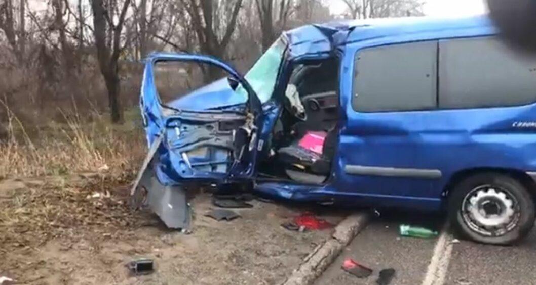 В Днепре произошло тройное ДТП на Криворожской трассе