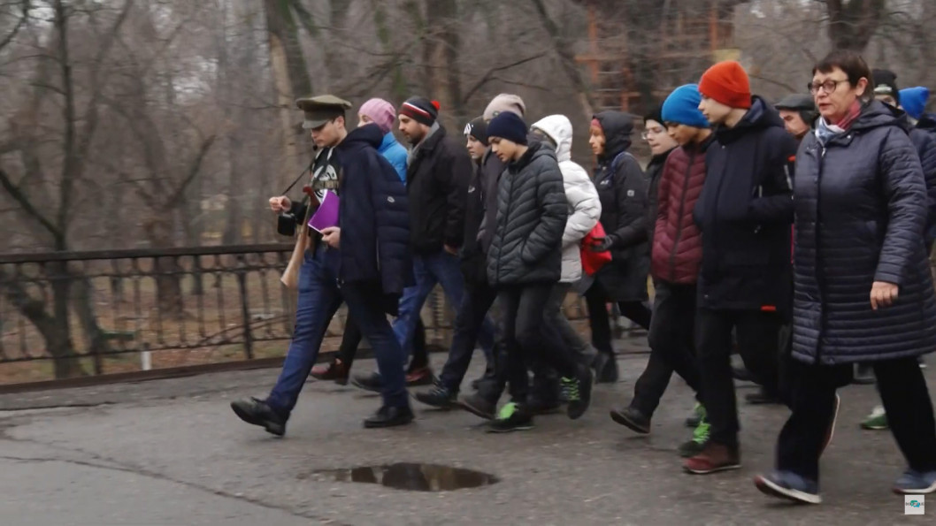 ВІДЕО: Нестор Махно та Дмитро Яворницький проводять екскурсії вулицями Дніпра