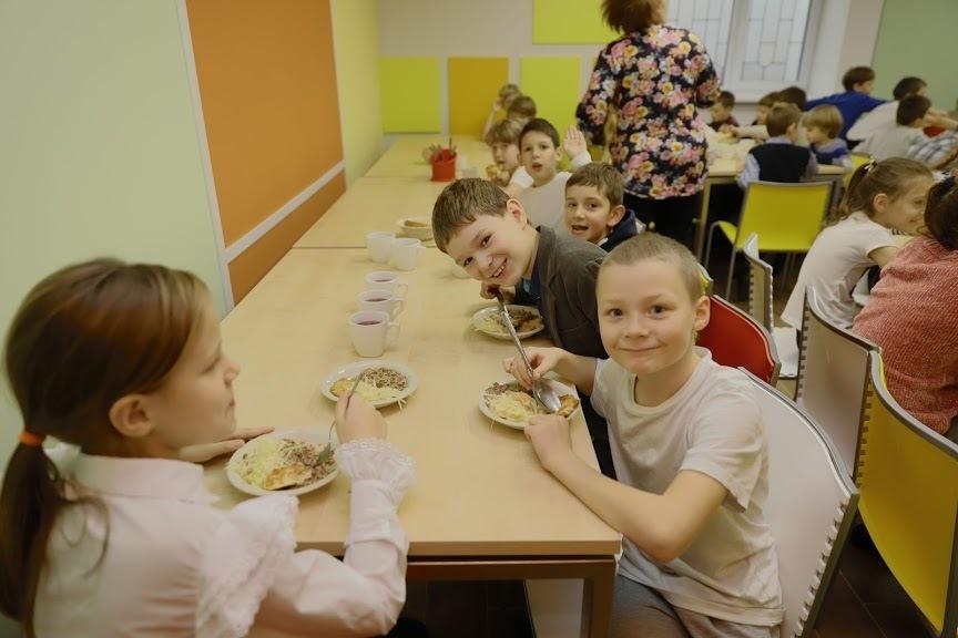 В школах Днепра ремонтируют столовые, которые не обновляли десятилетиями