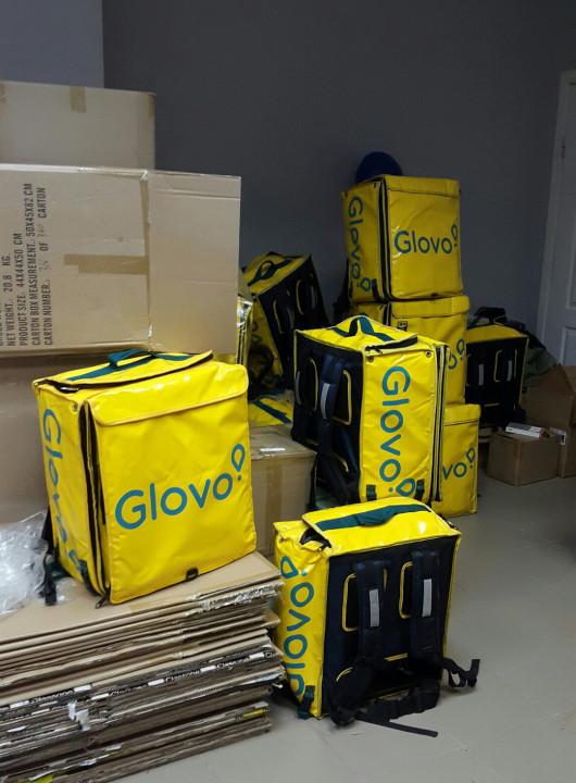 Фирменные рюкзаки компании Glovo