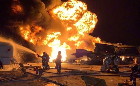 В Днепре горит здание возле автовокзала (ВИДЕО)