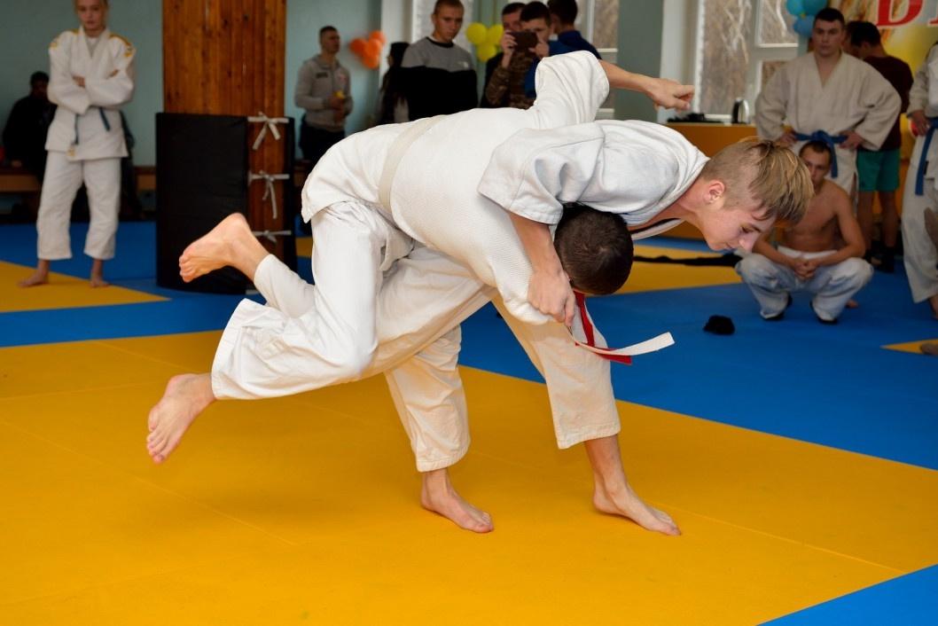 В маленьких залах рождаются большие чемпионы: в Кривом Роге открыли современный центр для занятий дзюдо