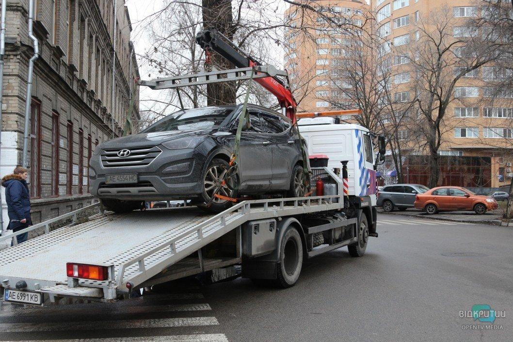 """В Днепре есть """"проклятые"""" перекрестки: там постоянно неправильно паркуются одни и те же люди"""