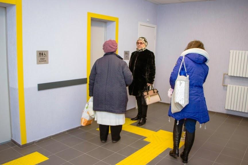 Шрифт Брайля и тактильная плитка: как выглядит больница будущего в Днепре (ФОТО)