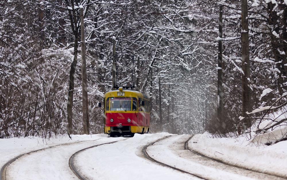 Рождество в Днепре: где перекроют движение и как будет работать общественный транспорт