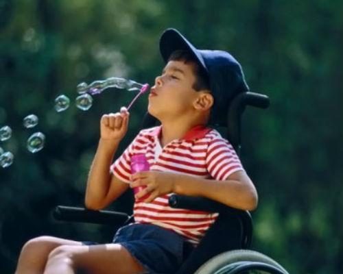 Як у Дніпрі живуть родини, де є діти з інвалідністю