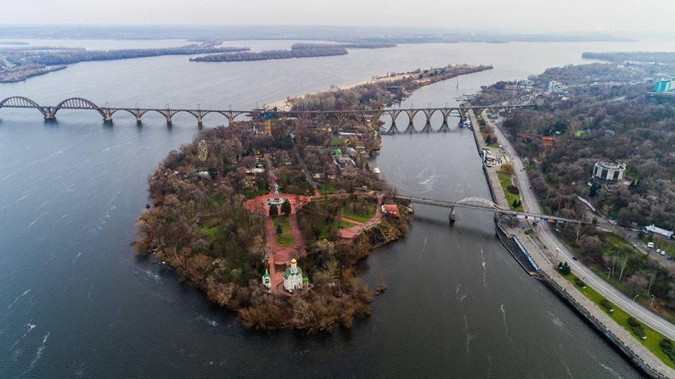 Вместо канатки: в Днепре может появиться новый мост на Монастырский остров (ФОТО)