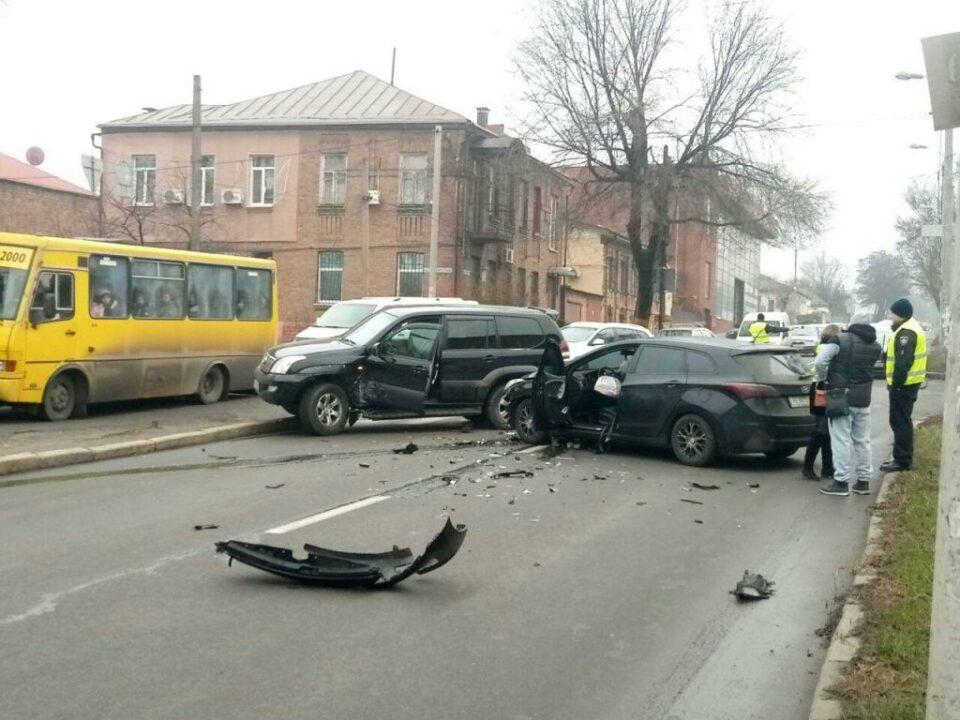 В центре Днепра ДТП с пострадавшими: движение перекрыто (ФОТО)
