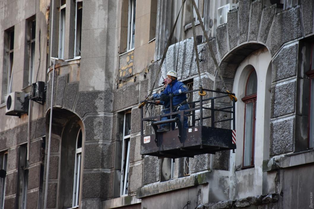 Дом в Одессе еще тлеет: количество жертв увеличилось до 32, двое погибших