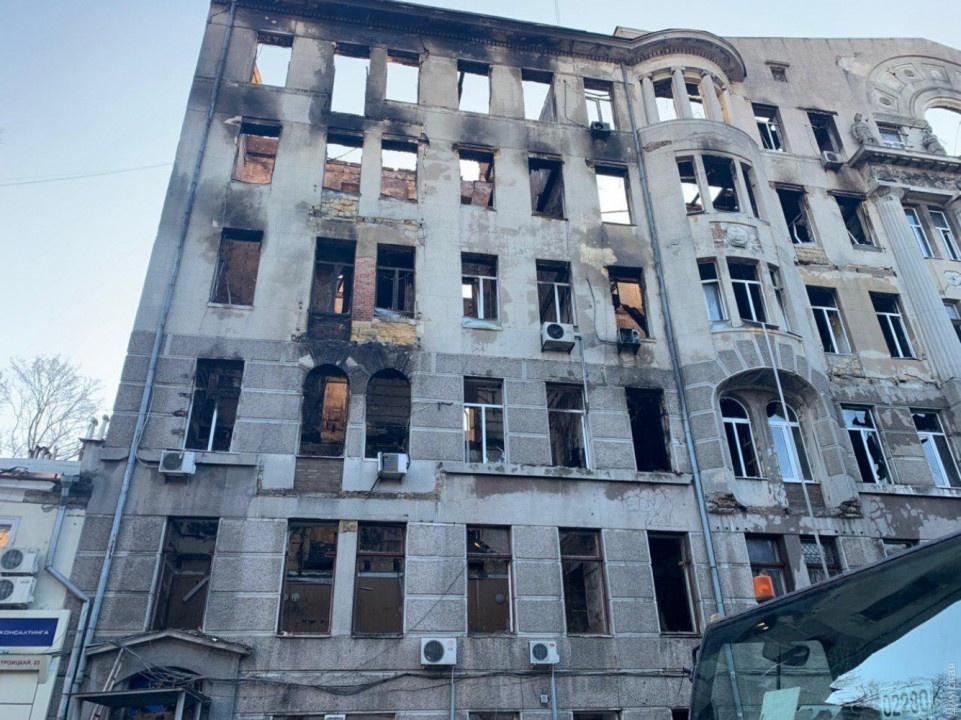 Завалы до сих пор разбирают: количество погибших в одесском пожаре снова выросло (ФОТО)