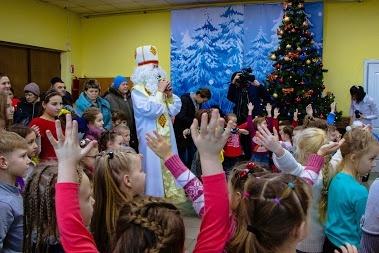 """""""Народная филармония"""": на первое новогоднее выступление пришло 250 детей"""