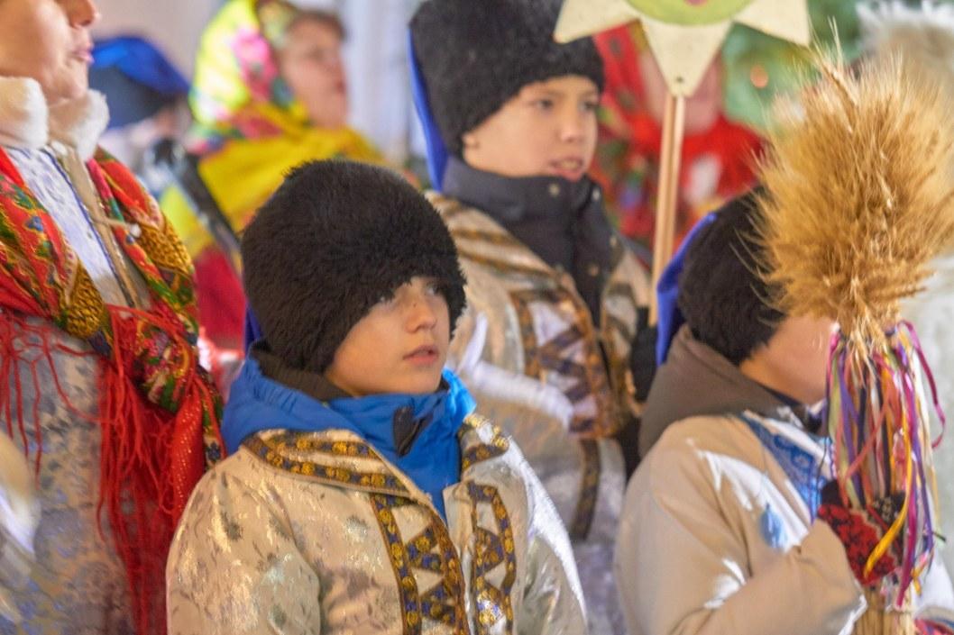 Пели все: в Днепре на Рождество впервые прошел вертеп-мюзикл (ФОТО)