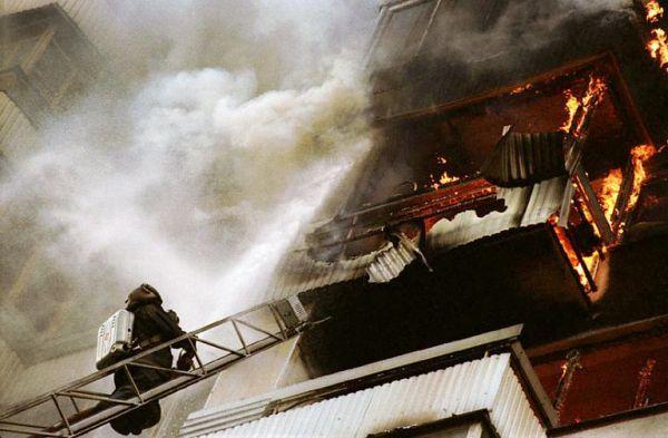 Без этого никак: в Кривом Роге из-за фейерверка загорелся балкон многоэтажки
