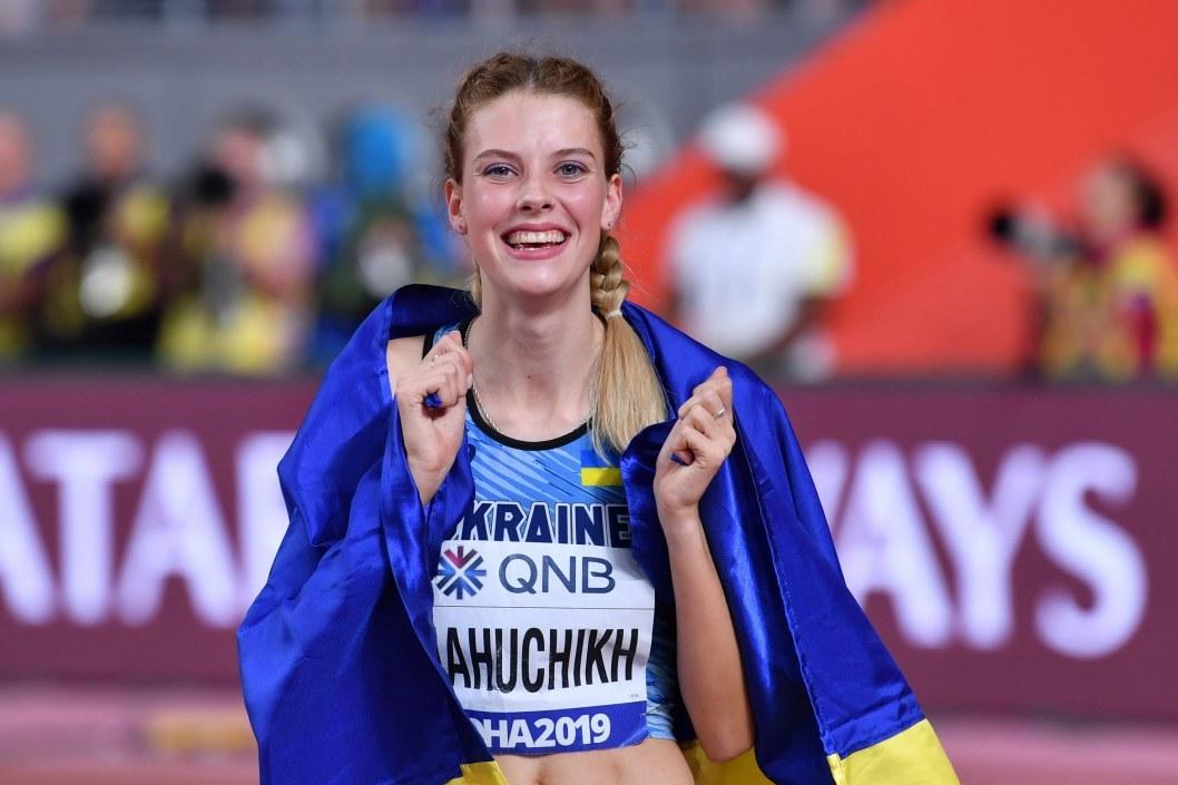 Среди достижений Ярославы – несколько мировых рекордов по прыжкам в высоту