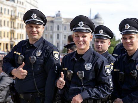 ТОП-3 заманчивых предложений полицейским: куда приглашали и что предлагали за молчание