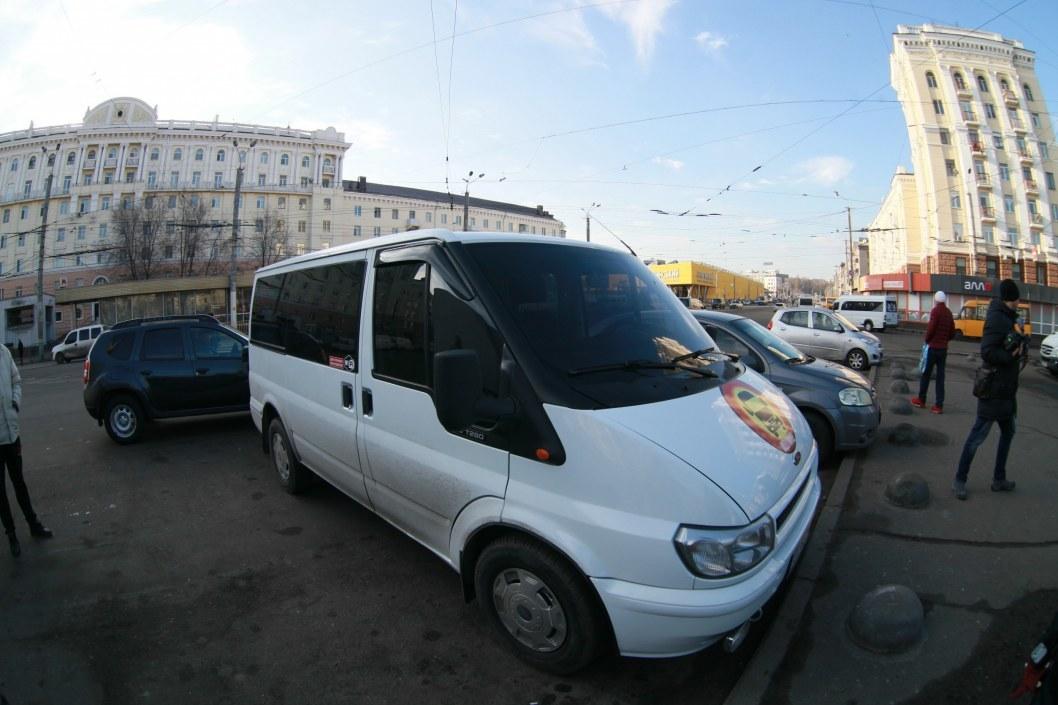 В Днепре нелегальный перевозчик отказался от пассажиров на глазах у полиции (ФОТО)