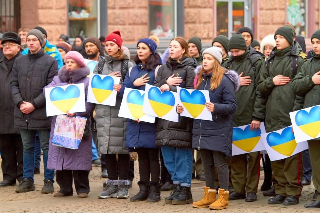 ВІДЕО: У Дніпрі до Дня соборності України пройшли флешмоби