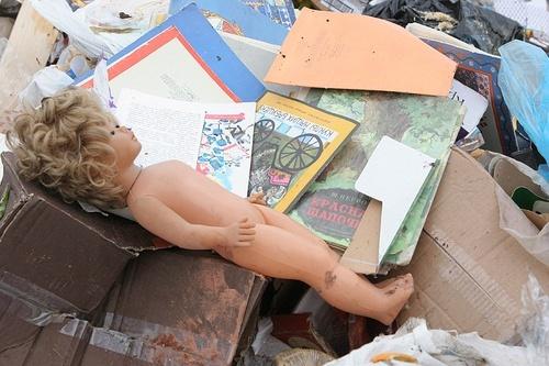 В Днепре на мусорном полигоне обнаружили тело младенца