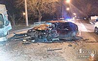 Хотел обогнать: в Кривом Роге столкнулись три автомобиля, пострадал мужчина