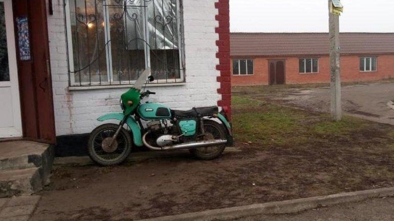 Хотели прокатиться с ветерком: под Днепром двое подростков украли мотоцикл