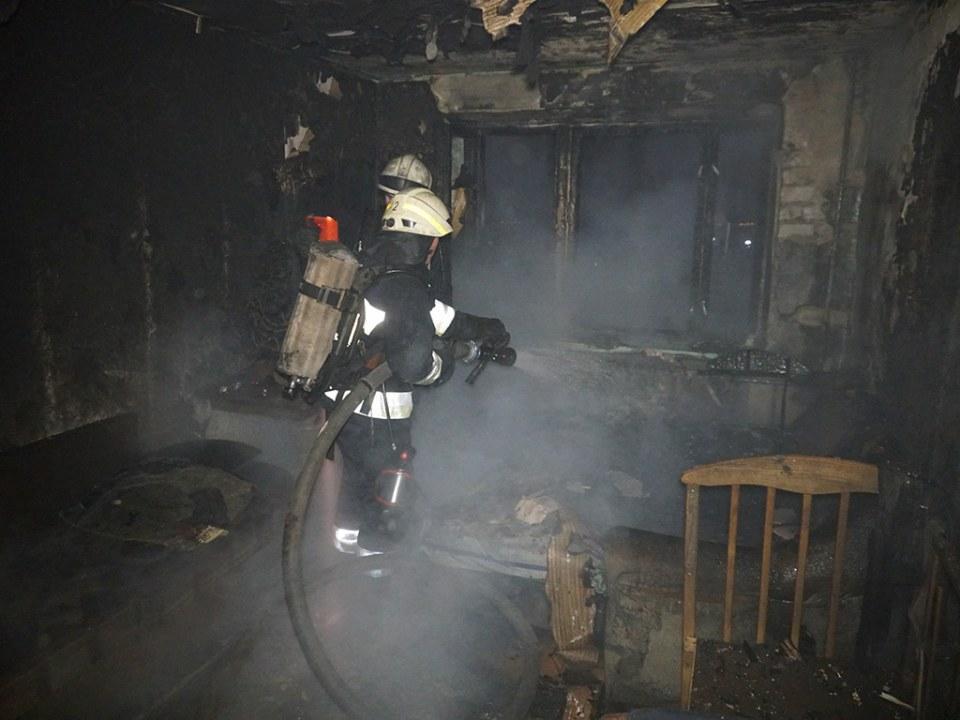 В Днепре на Орловской был масштабный пожар, эвакуировали 14 человек