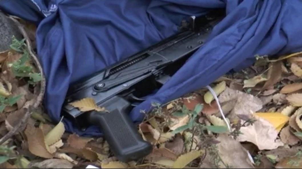 По городу с оружием: в Днепре полиция задержала мужчину