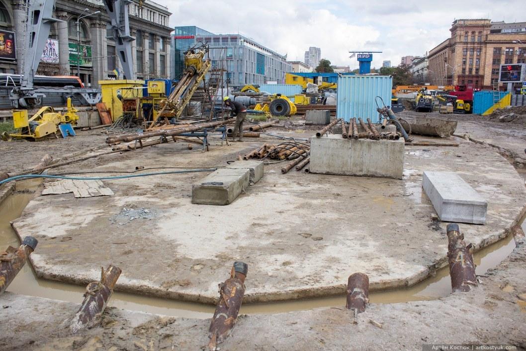 Уничтоженный сквер: как выглядела стройплощадка метрополитена в центре Днепра десятилетия назад