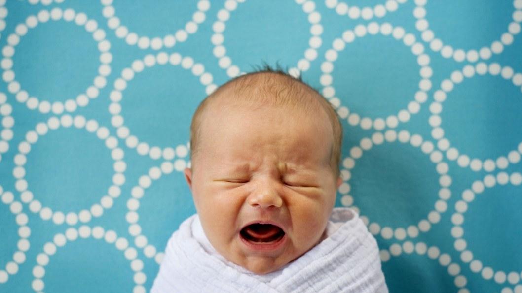 Уже беременна следующим: у пьяной горе-матери забрали 8-месячного малыша