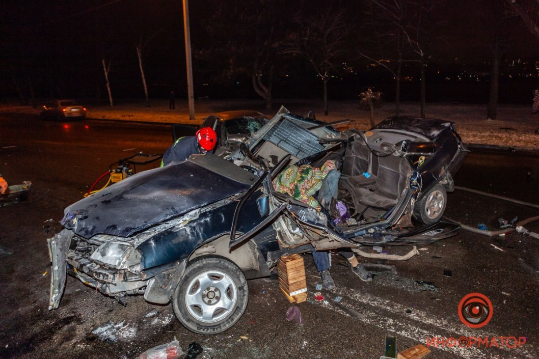 В аварии погибли 2 человека, еще 2 пострадали