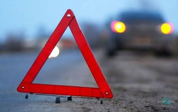В Днепре на проспекте Героев автомобиль сбил школьника (ВИДЕО)
