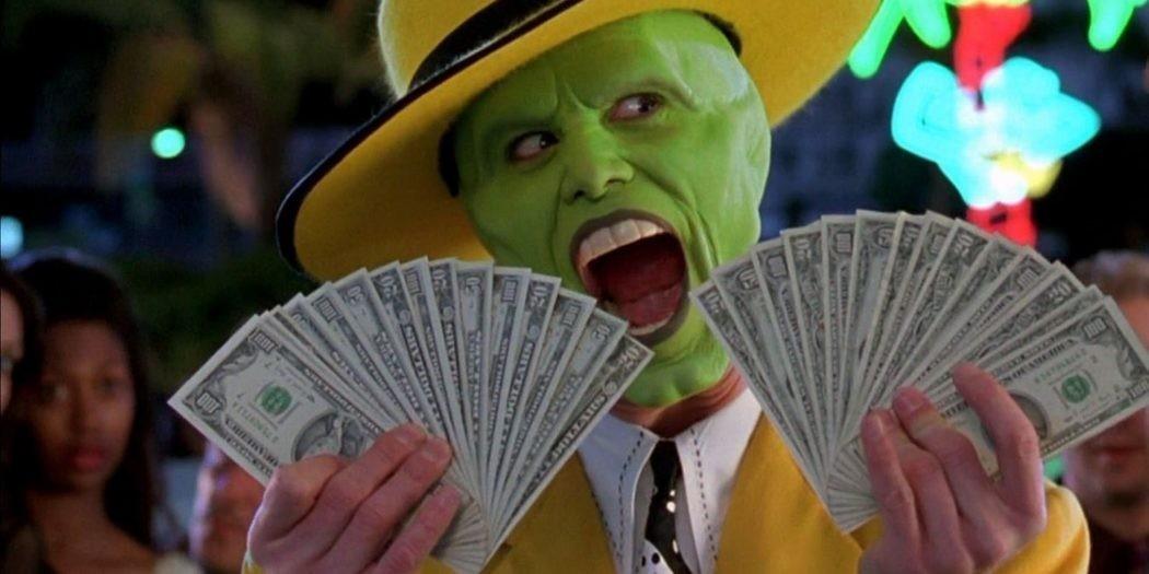Счастье было так близко: под Днепром мужчина нашел пакет с 10-ю тыс. долларов и вернул хозяину
