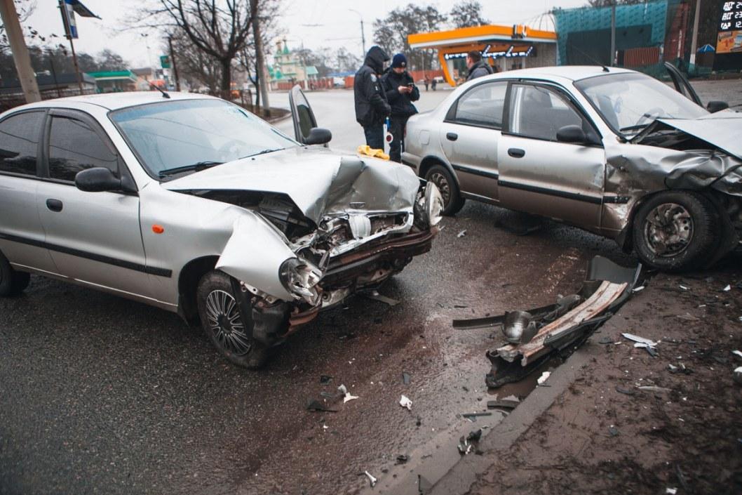 Злосчастный поворот: на Березинке двойное ДТП с пострадавшими (ФОТО)