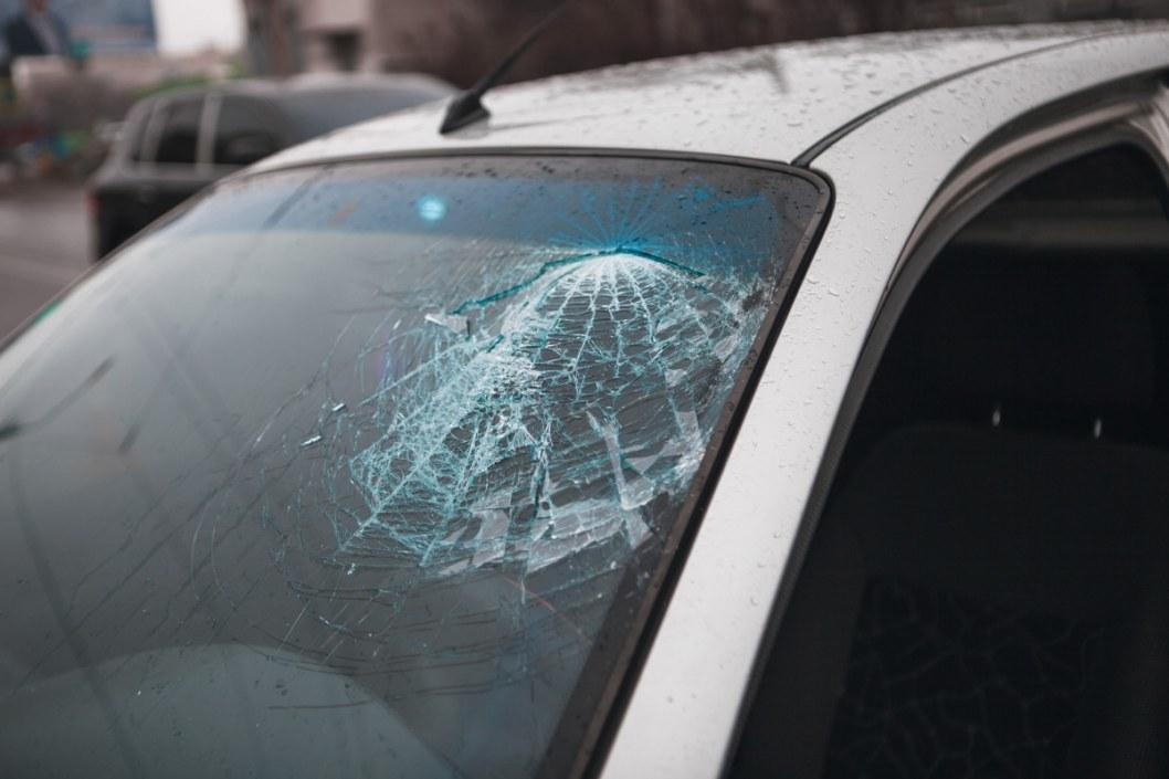 В аварии пострадали 2 человека