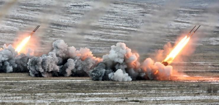 Иран нанес ракетные удары по военным базам США (ВИДЕО)