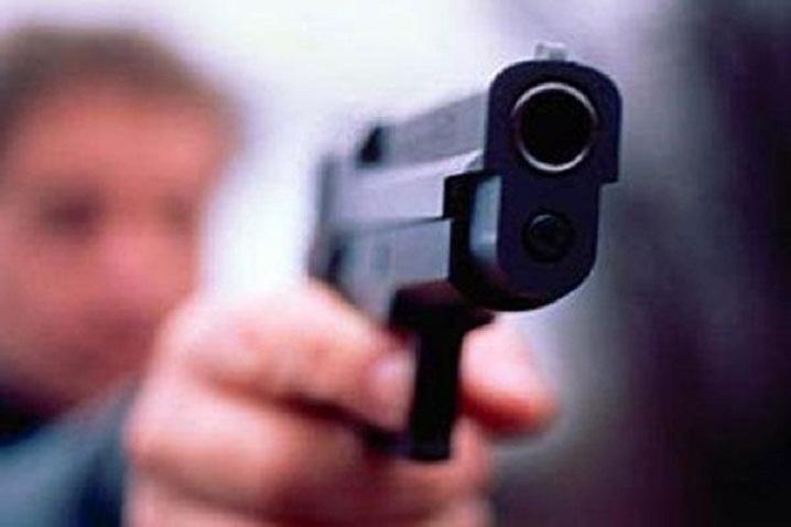В Днепре 16-летний стрелял во дворе дома: парня задержали