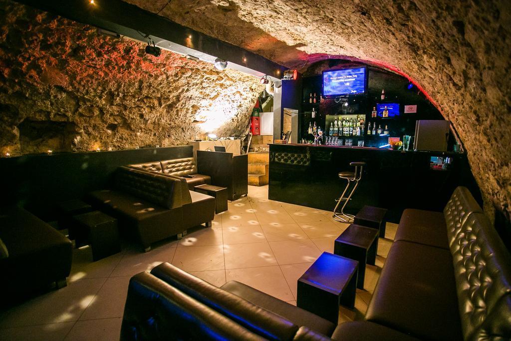 Отель на воде, рок-хостел и смарт-апартаменты: интересные варианты проживания в польском Кракове, проверенные на личном опыте (ОБЗОР)