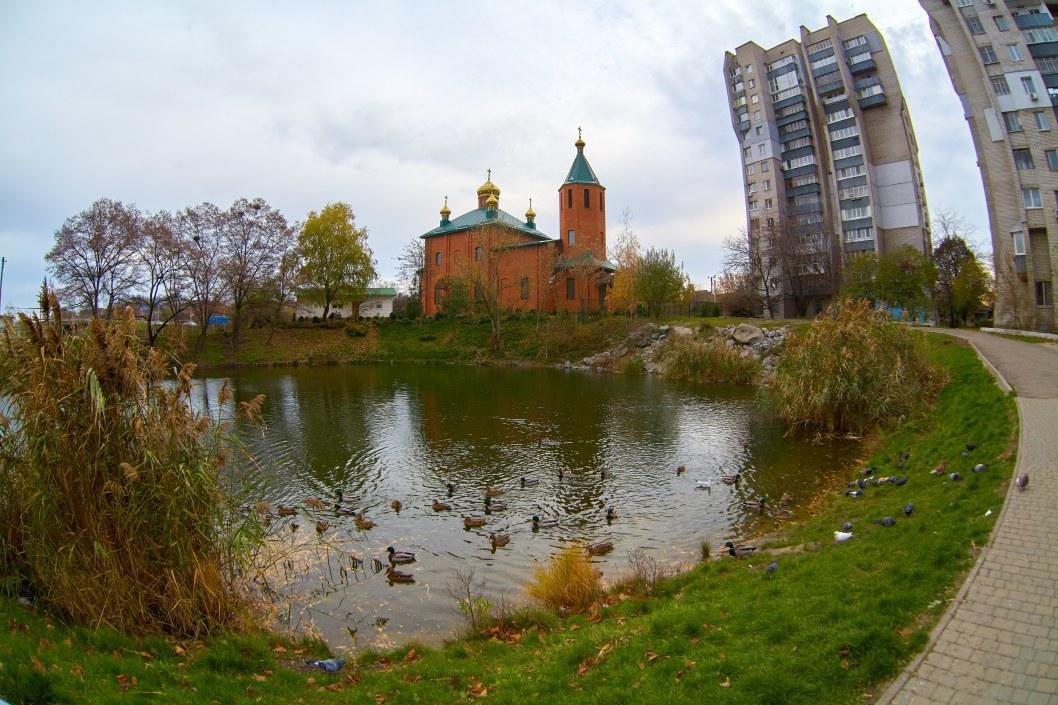 Церковь, утопленница и сом-гигант: на Победе-6 находится мистическое озеро (ФОТО)