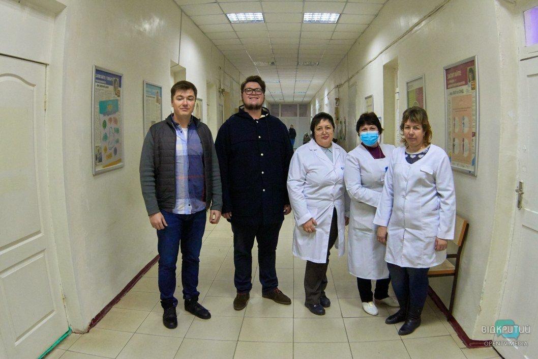 Сбылась мечта врачей: поликлинике Подгородного подарили современный анализатор крови