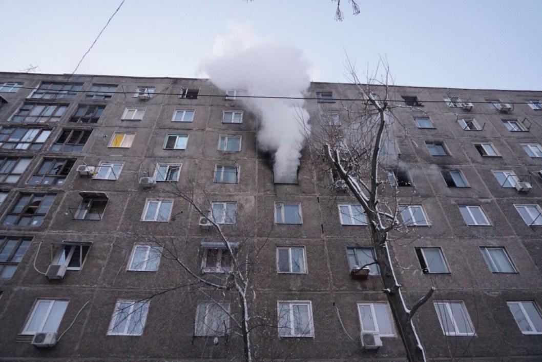 Дым видел весь район: в «Пентагоне» на Слобожанском загорелась квартира