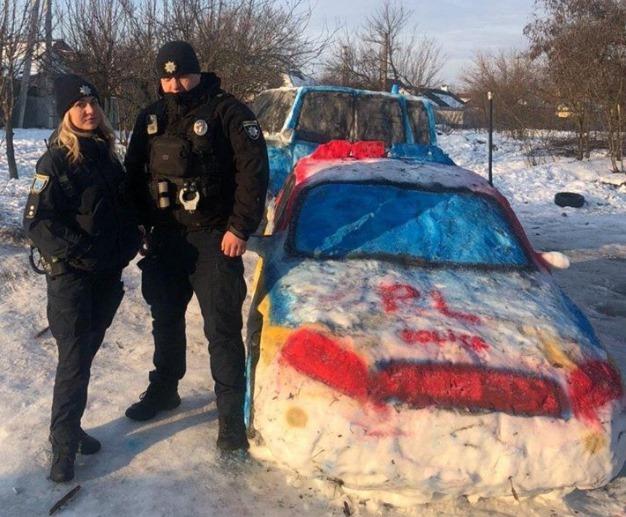 Машины из снега в Днепре