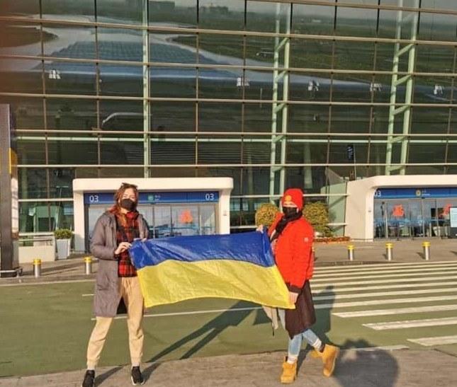 Наконец-то: самолет с эвакуированными украинцами из Уханя приземлился в Борисполе (ВИДЕО, ФОТО)