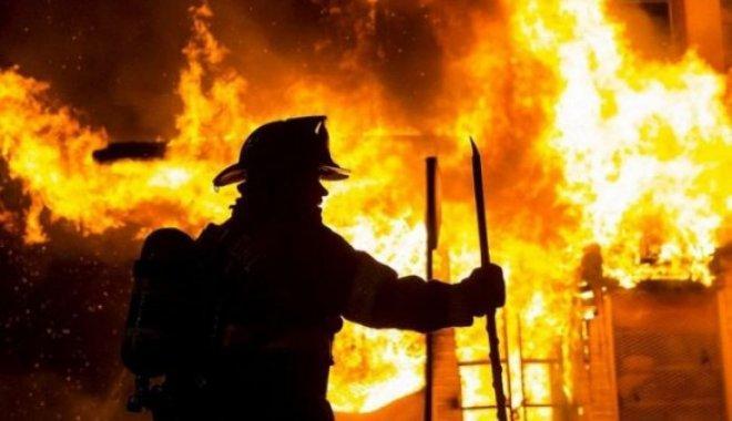 В Днепре ночью почти дотла выгорела квартира