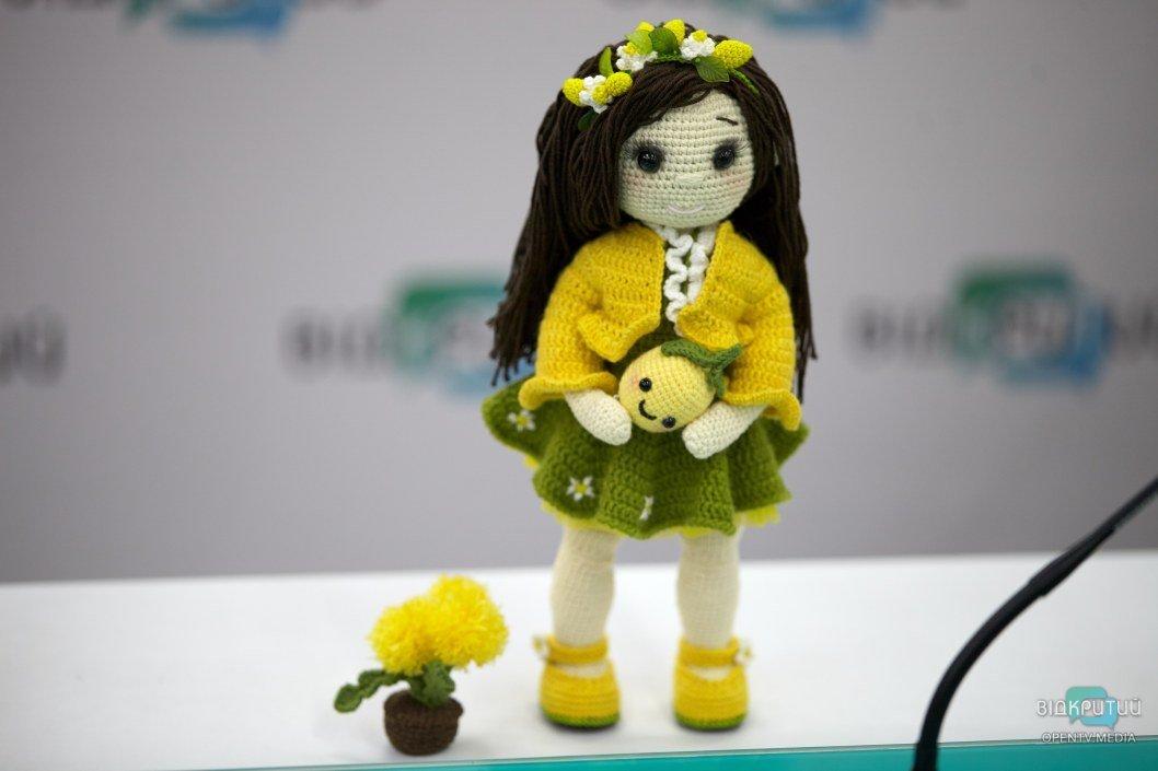Для куклы важен прочный и устойчивый каркас