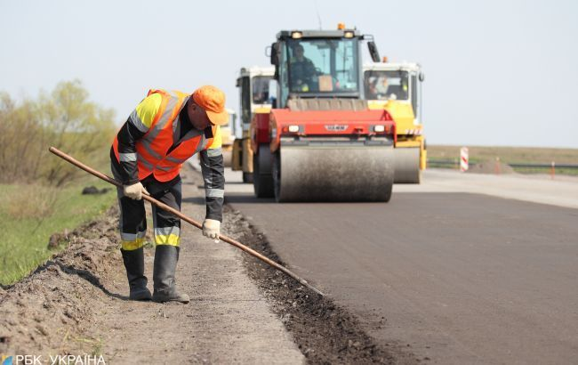 Кто финансирует ремонт местных дорог в Днепре