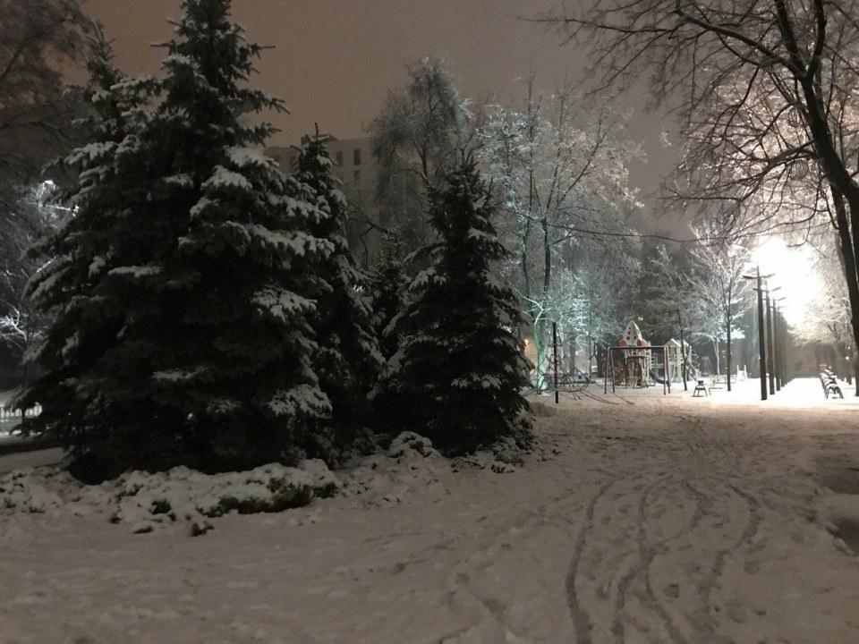 Метель и много-много снега: вечерний Днепр накрыла непогода (ФОТО, ВИДЕО)