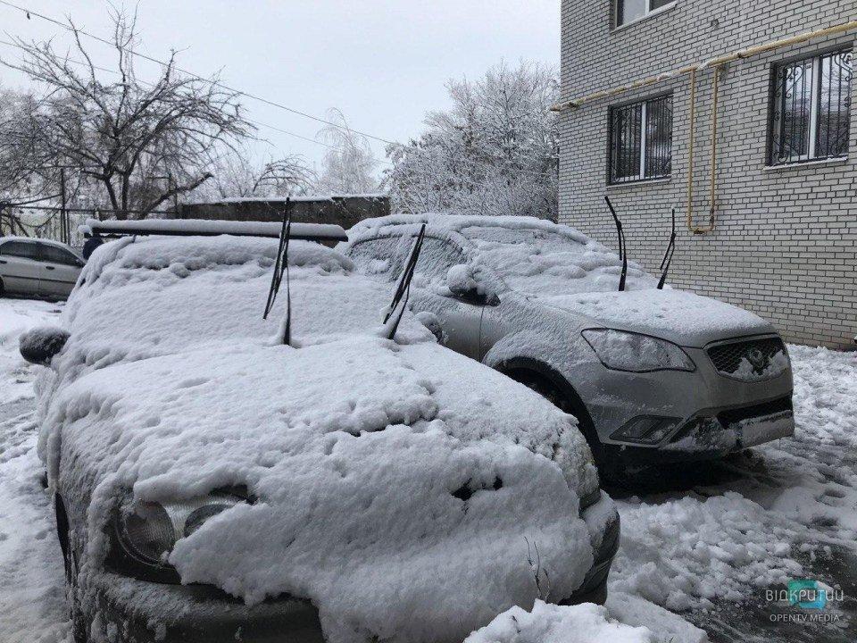 Зимний Днепр: как выглядит город после снегопада на второй день настоящей зимы (ФОТО)