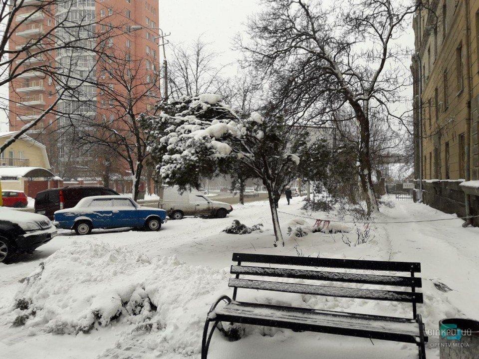 Второе пришествие зимы-2020: как выглядит заснеженный Днепр сегодня (ФОТО, ВИДЕО)