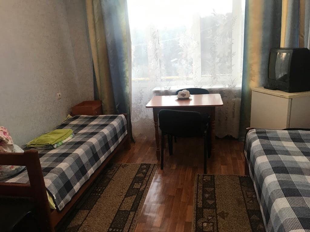 Одна из комнат, в которой разместили людей