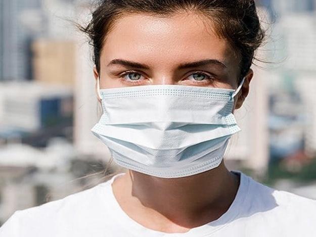 Пандемия коронавируса в самом разгаре: где в Днепре купить медицинские маски и почем